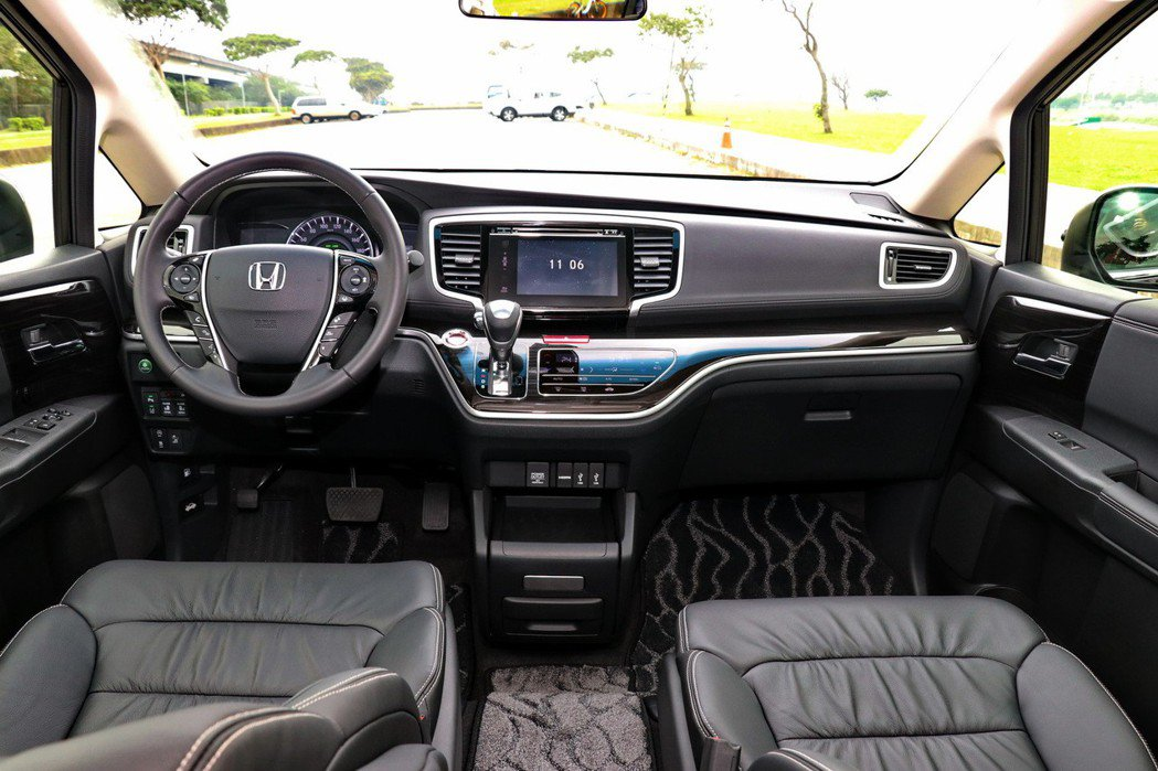 Honda Odyssey內裝維持過往的日系質感。 記者陳威任/攝影