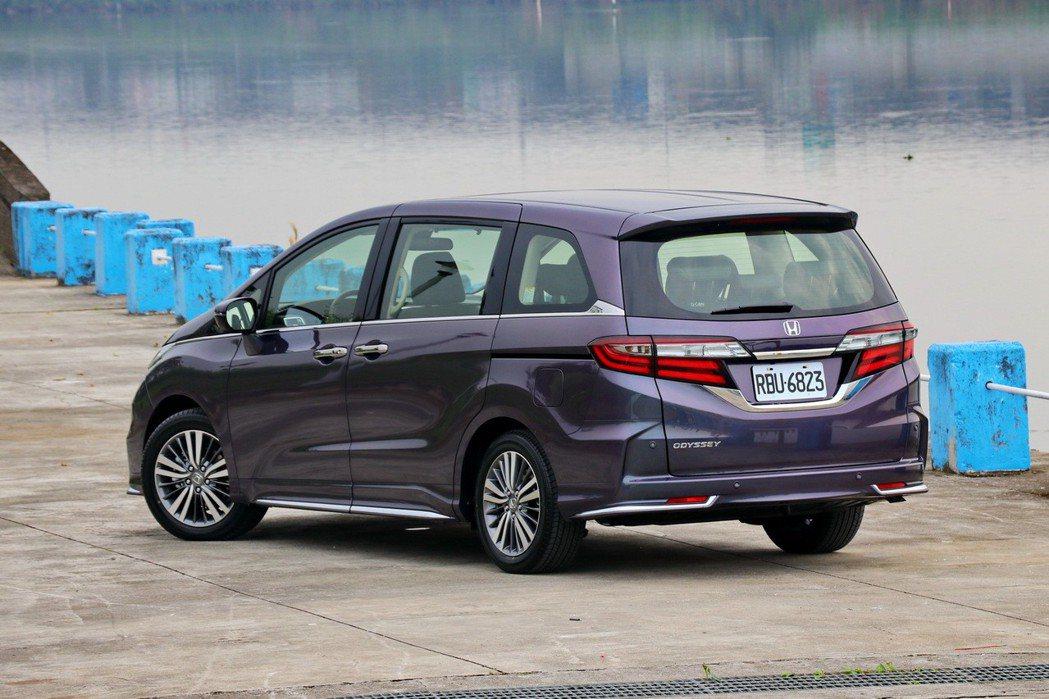 Honda Odyssey在MPV車款中,外型算是較有運動感的。 記者陳威任/攝...
