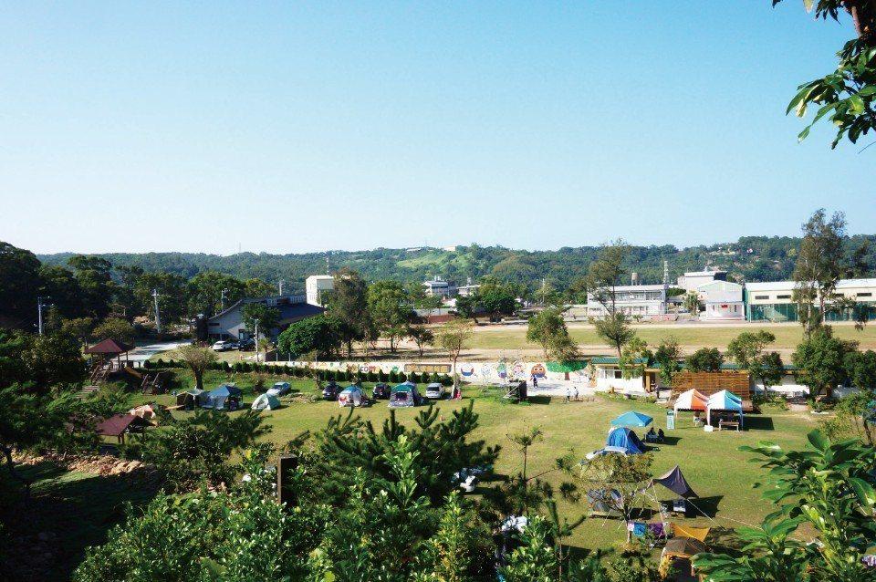 占地廣大的藍鵲度假莊園。(圖片來源/《劉太太和你露營趣》)