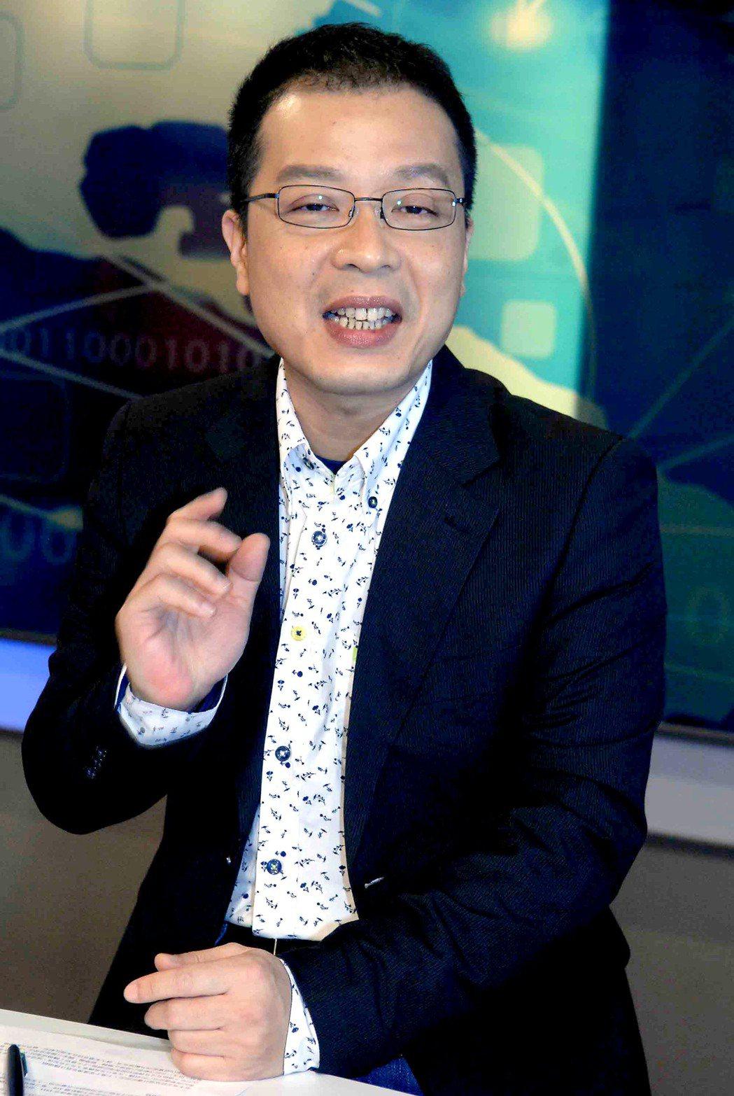 鍾年晃將在華視主持政論節目。圖/華視提供