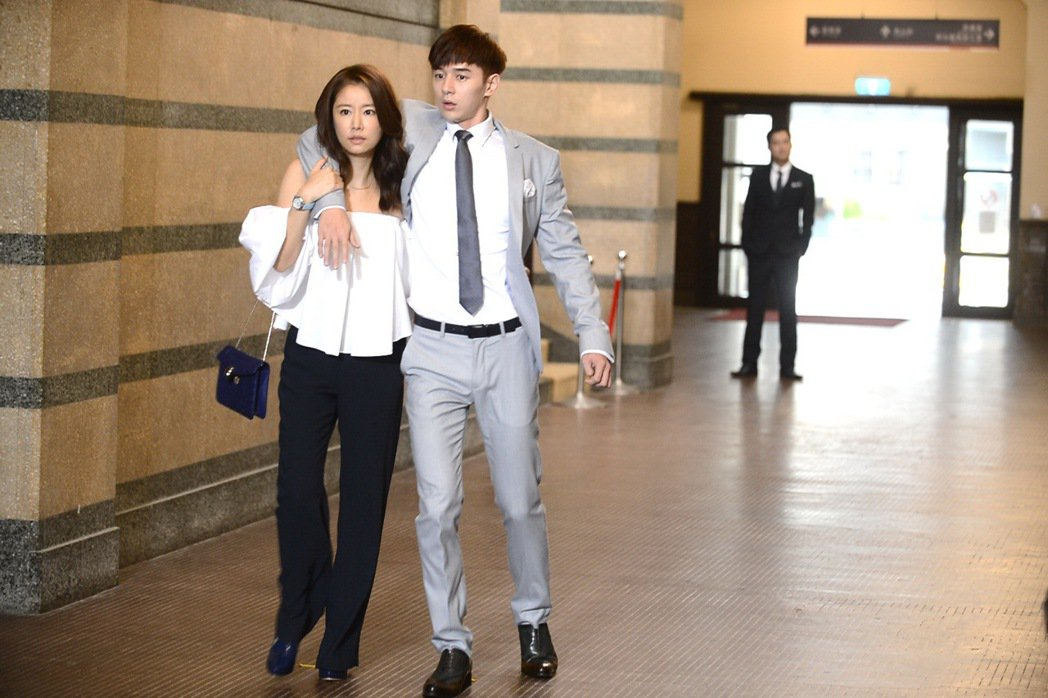 林心如(左)製作、主演「我的男孩」。圖/八大提供