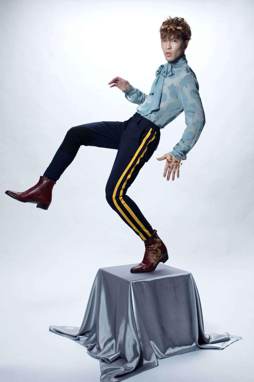 蕭敬騰新單曲「皮囊」造型大手筆。圖圖/華納音樂提供
