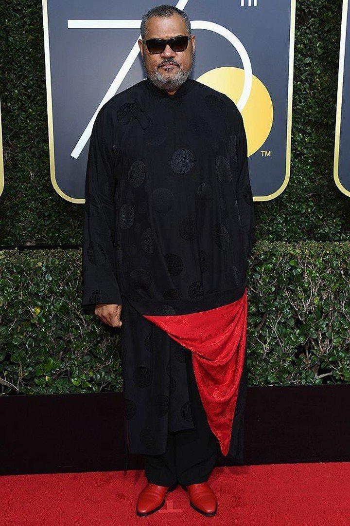 黑人男星Laurence Fishburne則是以特別的鑲紅內裡黑色中式馬褂走紅...