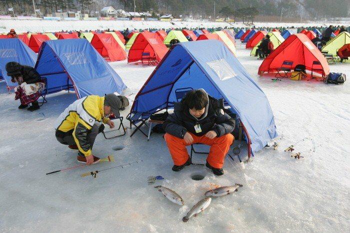 ▲韓國滑雪冰釣。(圖/Tripbaa趣吧!達人帶路)