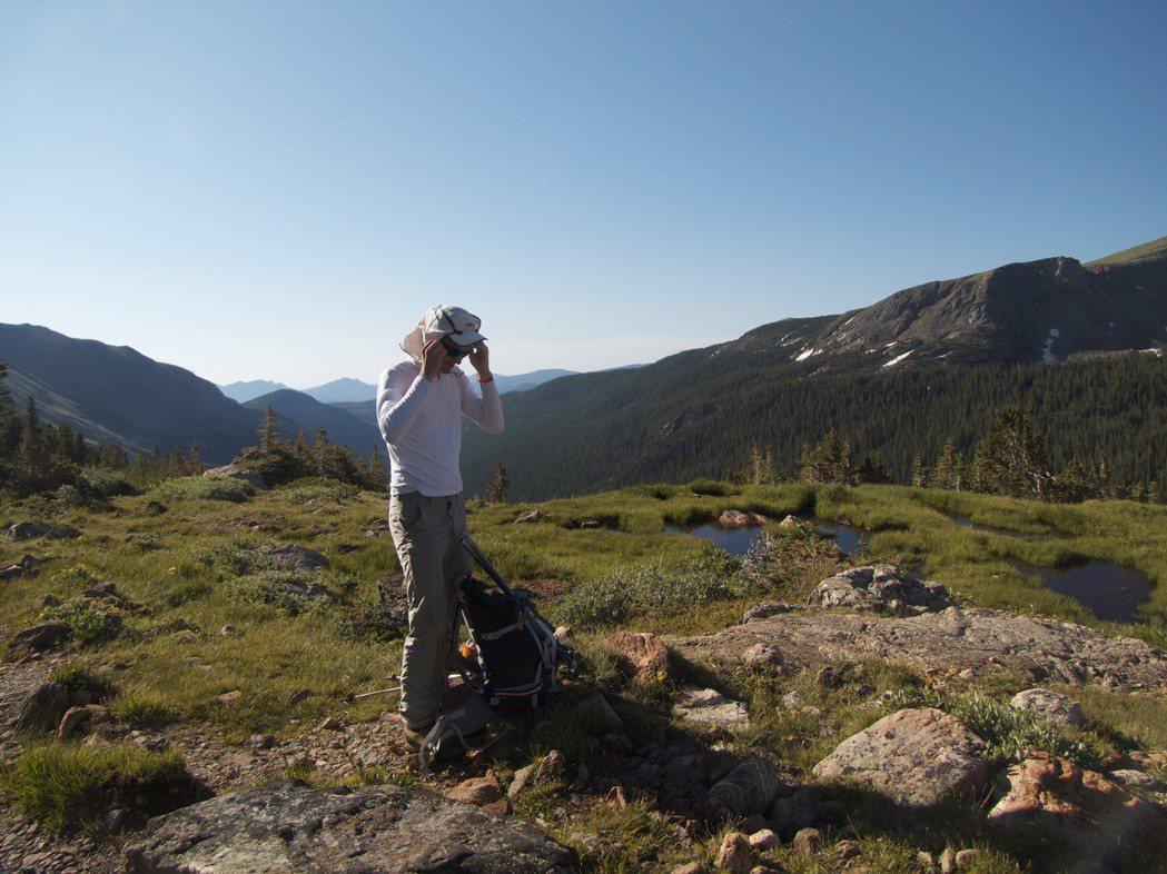 ▲夏季登山遮陽裝備。(圖/攝影者:Scott Teresi, Flickr CC...
