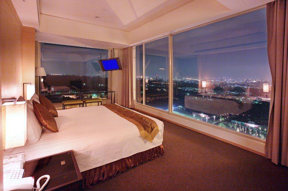 客房夜景。圖/清新溫泉飯店提供