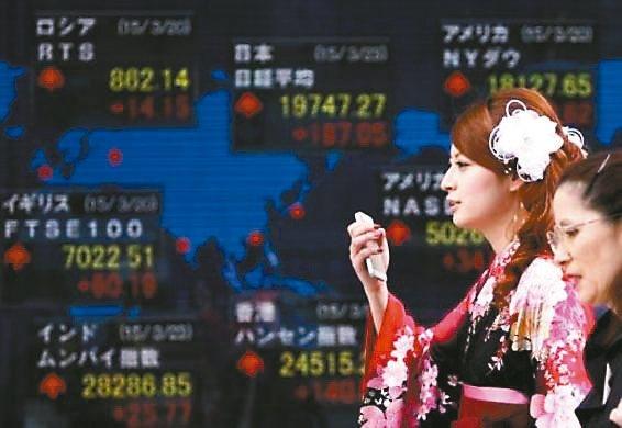 柏瑞投信昨(8)日舉辦全球投資展望記者會,柏瑞投資全球經濟首席策略分析師馬可士....