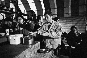 《大帳篷——想像力的避難所》映射出的影像人間學
