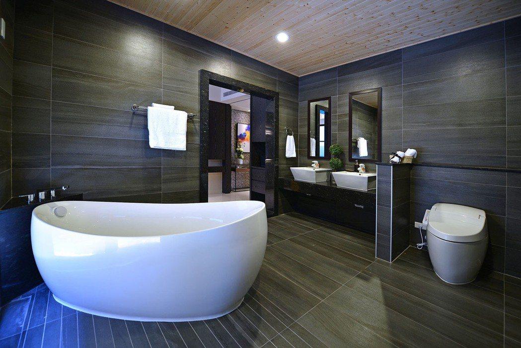 「和簷.悅舍」超越五星級飯店衛浴空間。 圖片提供/得邑建設
