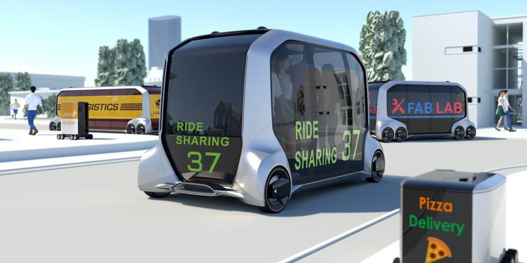 日本汽車大廠豐田(TOYOTA)瞄準無人駕駛商機,在2018 CES展推出無人電動小巴概念車e-Palette。 圖/TOYOTA提供