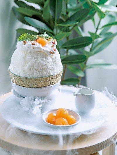 蜜瓜馬士卡彭起司雪冰320元/豪邁的使用日本進口哈密瓜,並放入馬士卡彭起司與蜂蜜...