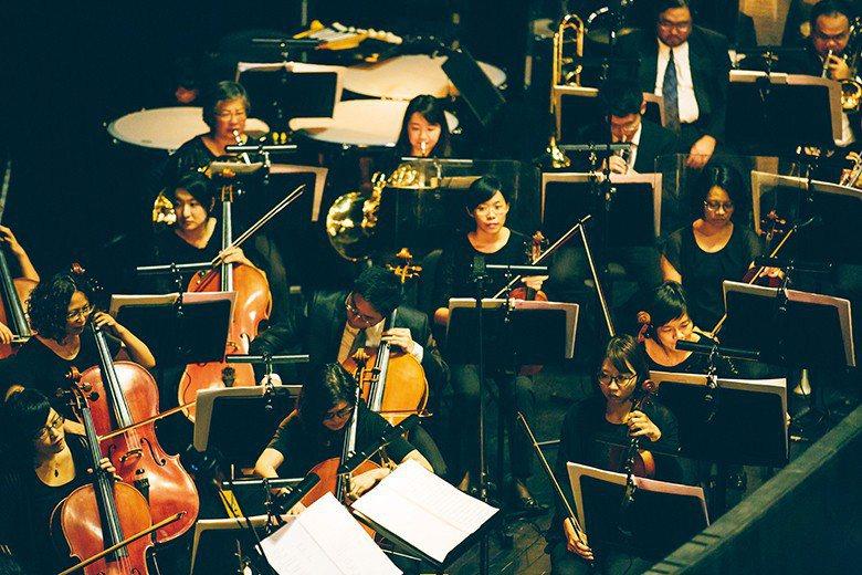 〈NTSO臻愛百年開幕音樂劇〉音樂由李哲藝老師創作,國立臺灣交響樂團現場演奏。 ...