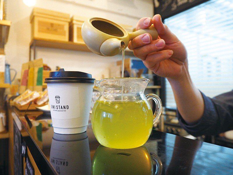 使用來自單一農園、單一品種茶葉沖泡的日本茶,可依顧客需求調整口味濃淡。