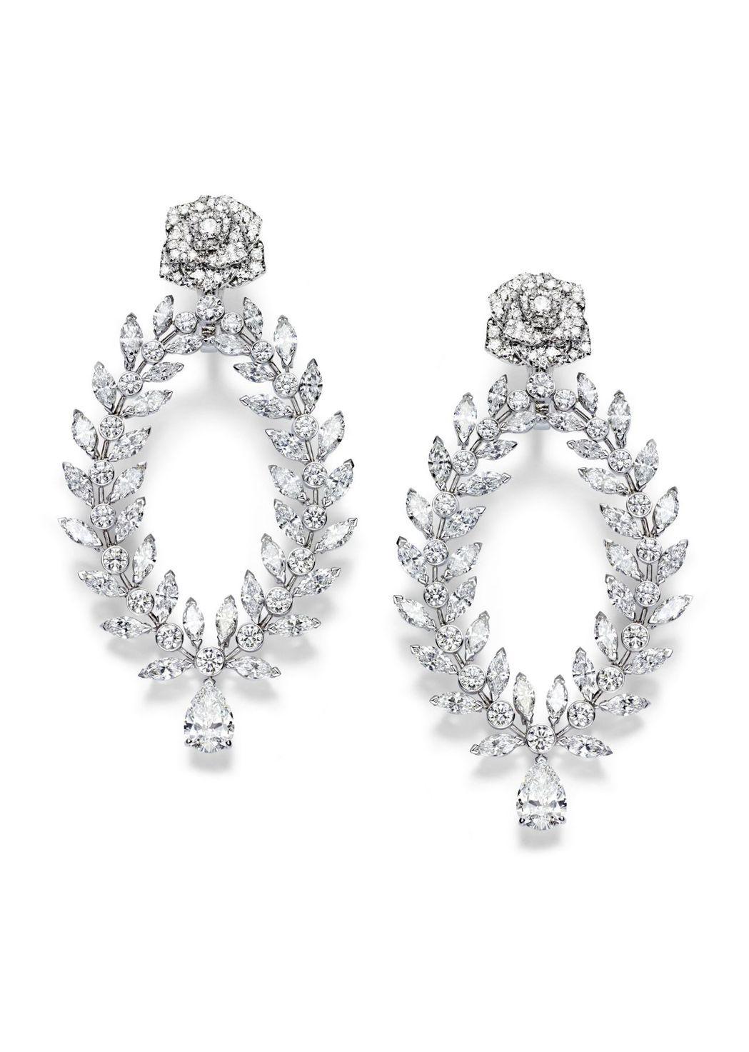 潔西卡雀斯坦配戴的Limelight Rose Passion 高級珠寶耳環,9...