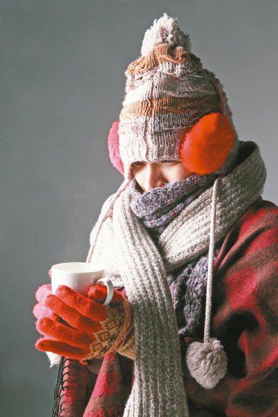 隨著寒流一波波來襲,除了國人喜愛的養生進補,中醫認為,想要過一個健康的冬季,也應...
