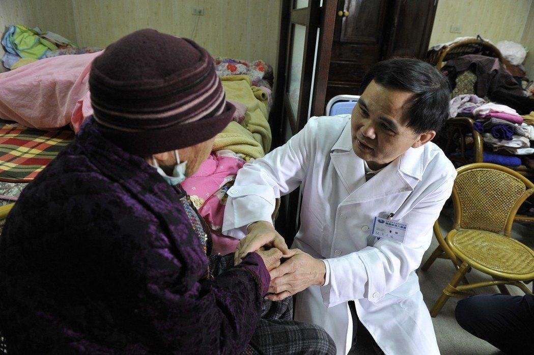 衛福部因應網路時代及科技產品進步,還有高齡化社會在宅醫療需求,將放寬遠距診療。 ...