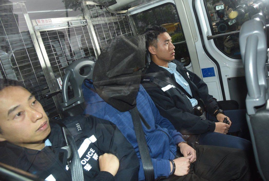 生父及繼母揭恐怖案情,五歲女童死前一日遭拋撞天花板十多下。 圖/香港中國通訊社