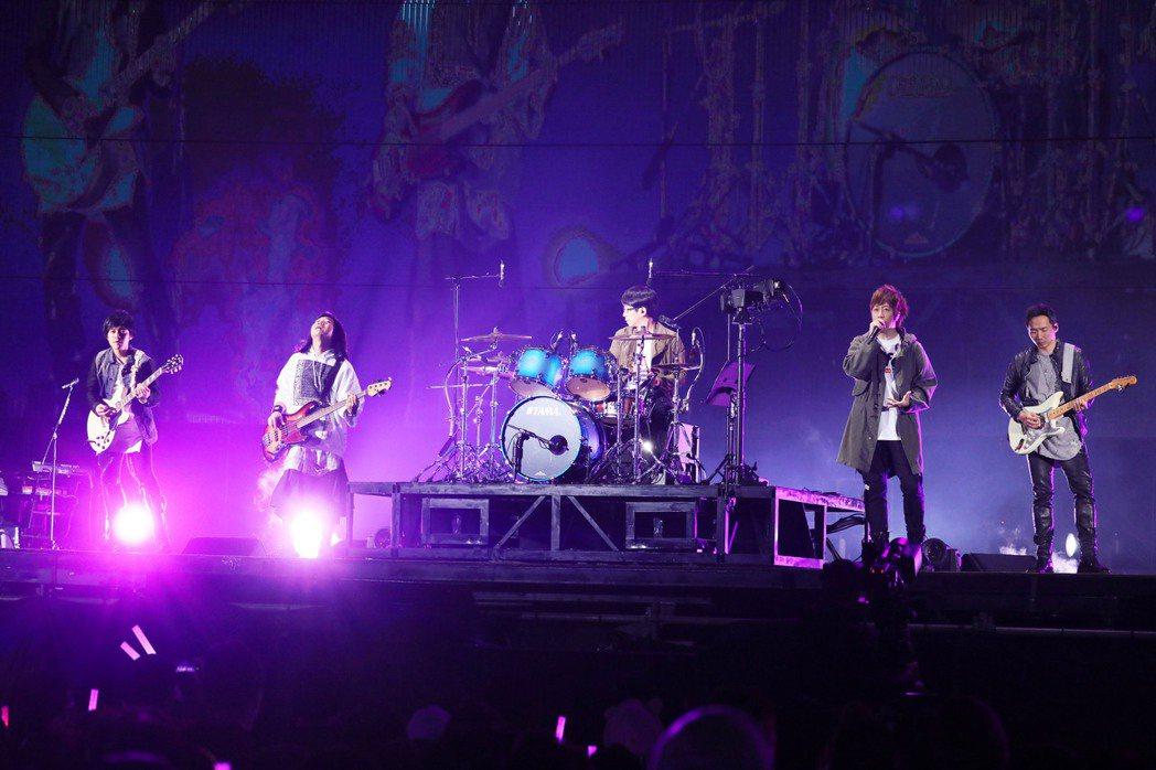 五月天將於5月19、20日在東京開唱,這也是他們三度登上日本武道館。圖/相信音樂...