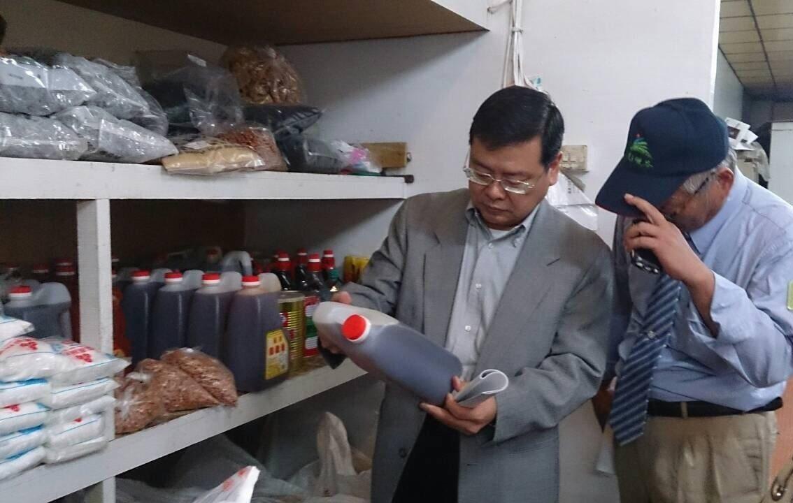 觀光景區的食品稽查,有助於保障民眾的用餐安全。圖/交通部觀光局提供