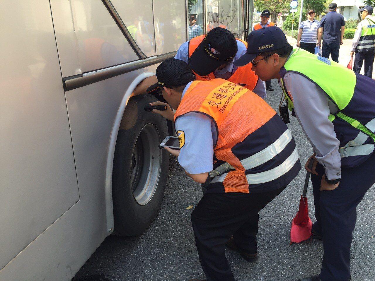 針對遊覽車進行車輛安全管理,確保車輛之安全性。圖/交通部觀光局提供