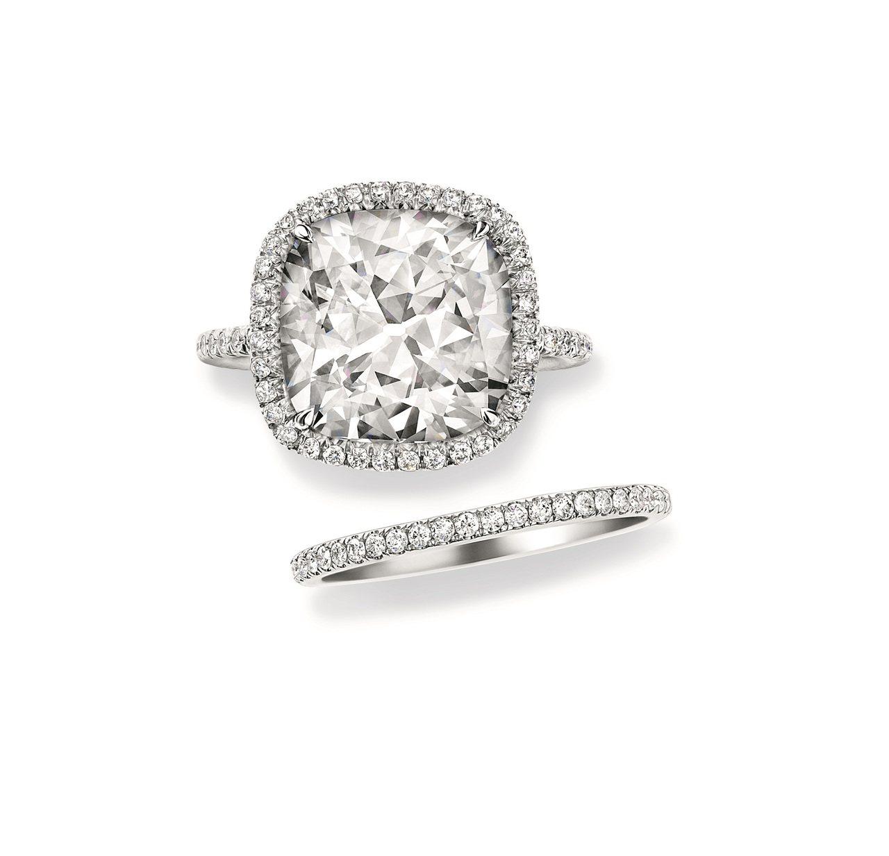 海瑞溫斯頓The One系列枕形切工鑽石戒指(上圖)。圖/海瑞溫斯頓提供