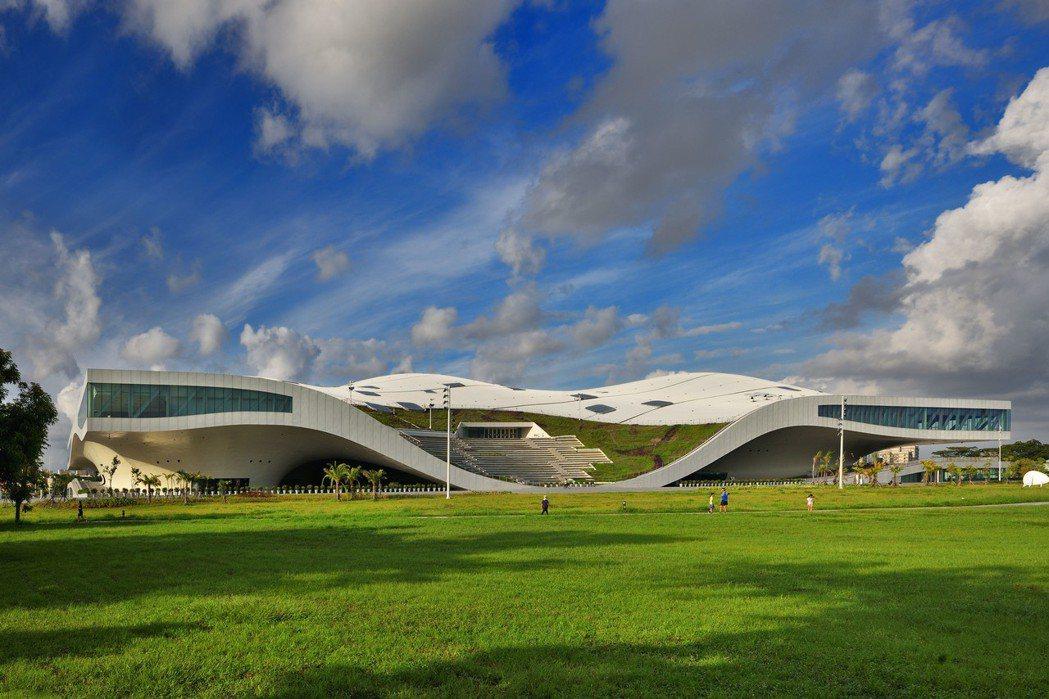 衛武營國家藝術文化中心預計2018年10月開幕啟用。 攝影/張世雅