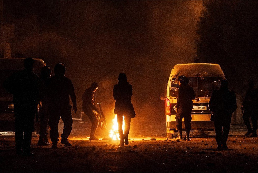 茉莉花革命7周年前夕:突尼西亞騷動,全國反撙節抗爭