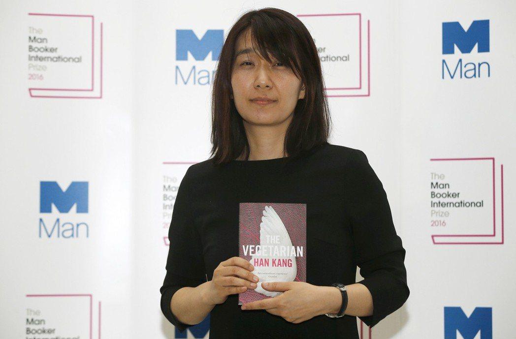 曾以《素食者》獲得2016年「曼布克國際獎」的韓國作家韓江。 圖/路透社