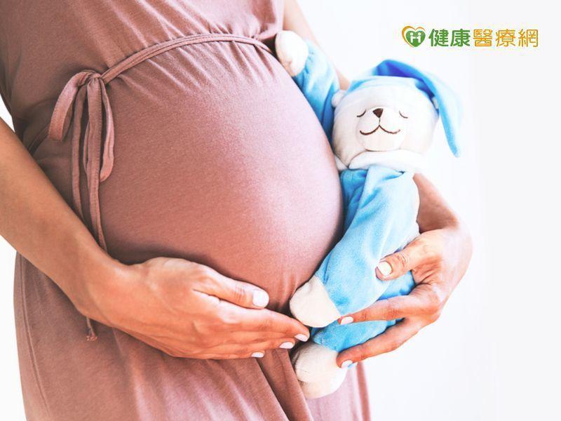 高齡又卵巢衰退 中醫助她自然懷孕