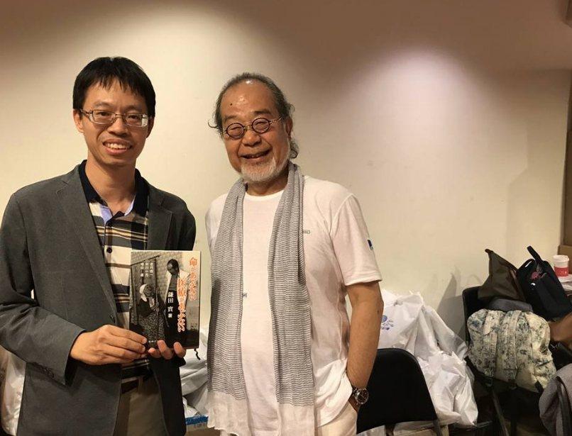 長期在偏鄉服務的台灣在宅醫療學會理事長余尚儒(圖左)認為,偏鄉需要的不一定是醫院...