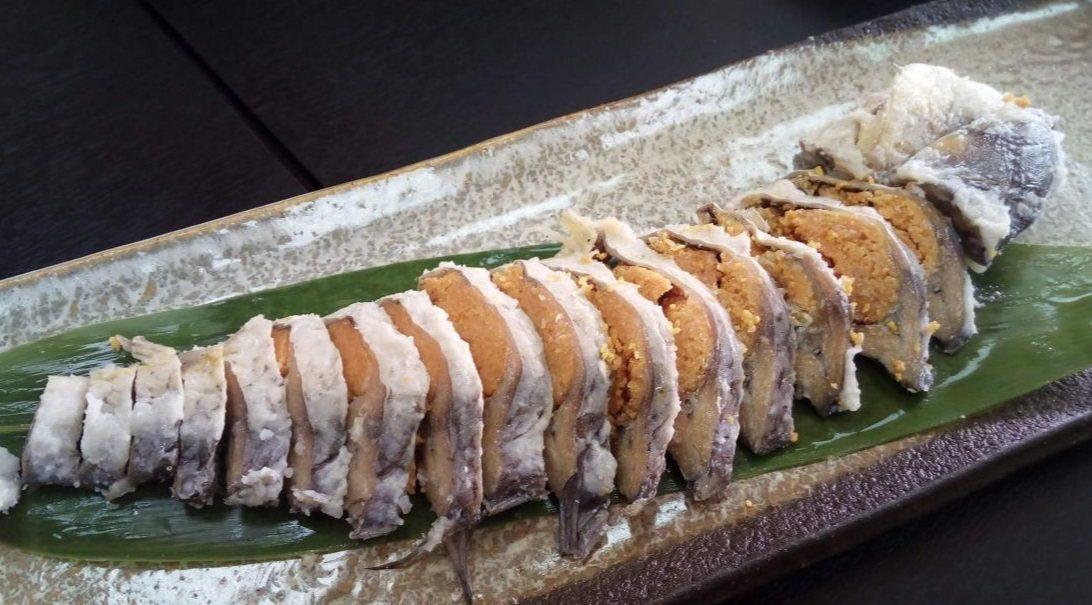 日本最早的壽司「馴鮓」。翻攝自CNN