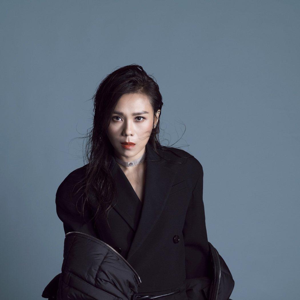 蔡健雅推出新EP「Cherished 割愛」。圖/環球提供