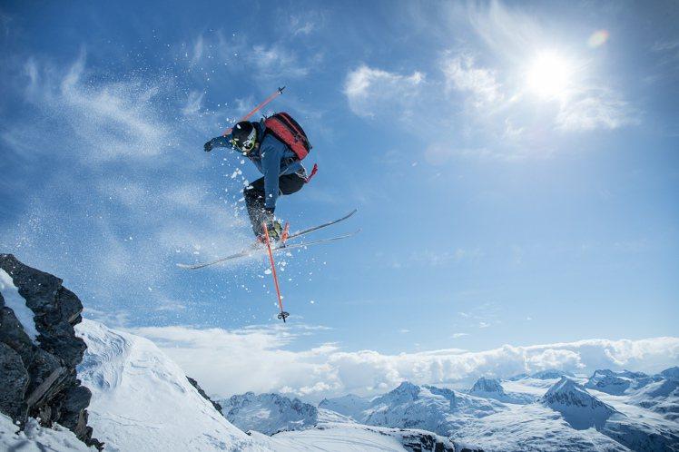 在今年南韓平昌冬奧時,美國滑雪隊將穿上Columbia鈦系列裝備,當作比賽時的制...