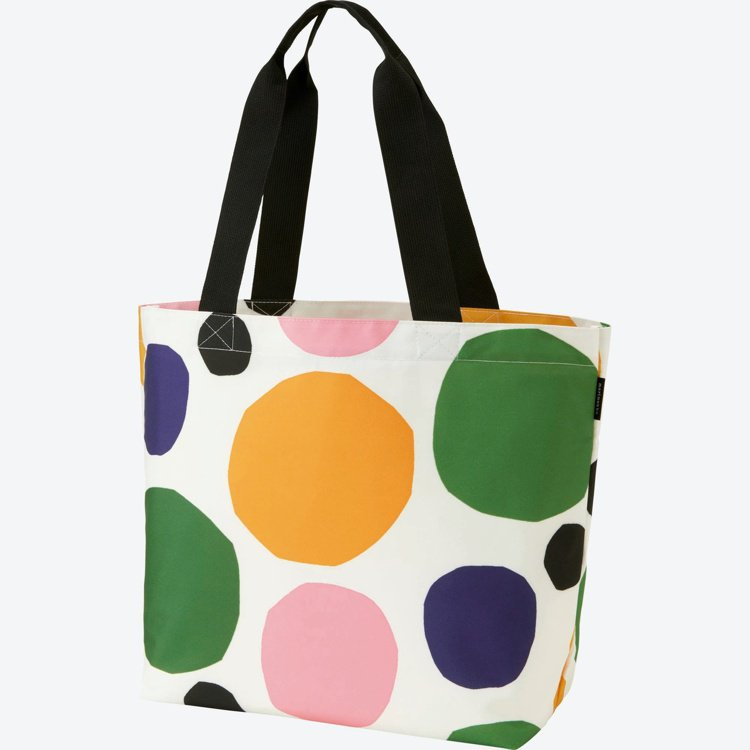 Marimekko× UNIQLO系列彩色經典石頭印花手提袋。圖/Marimek...