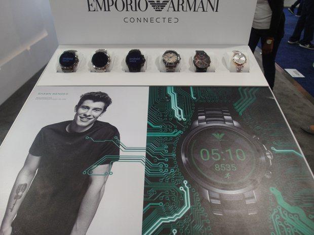 Emporio Armani智慧表果然較「Man」。記者何佩儒/攝影
