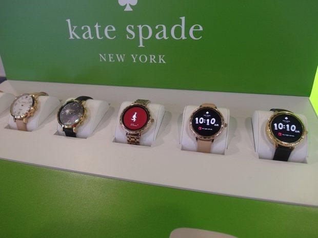 Kate Spade的智慧手表外形相當吸引人。 記者何佩儒/攝影