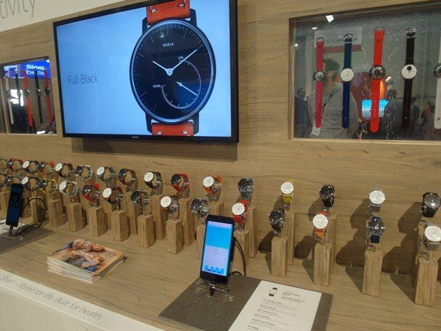 Nokia展示智慧表。記者何佩儒/攝影