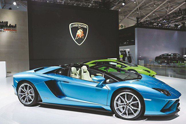 Lamborghini旗艦敞篷車型Aventador S Roadster首度登...