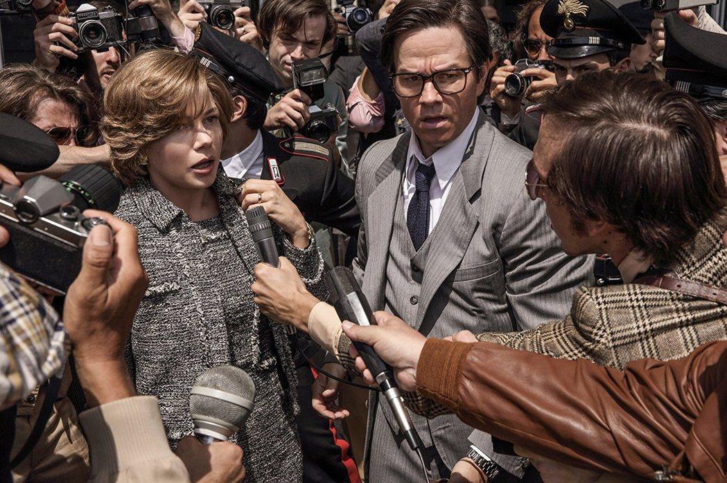 蜜雪兒威廉斯(左)與馬克華伯格(右)電影的片酬差別很大。 圖/擷自IMDb網站