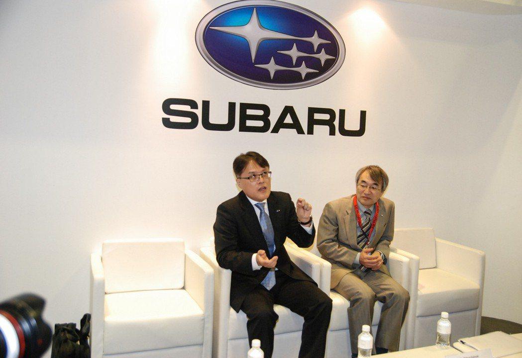 圖左為 Subaru 日本原廠全球行銷部首席總經理企業副總裁 庄司仁也 (Jin...
