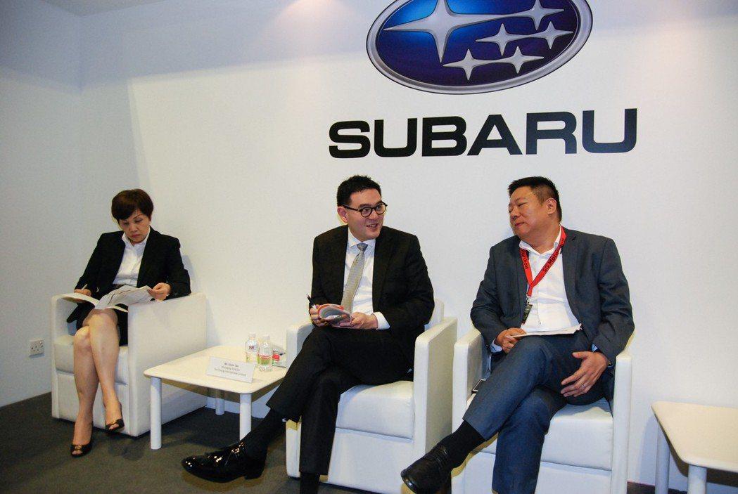 圖左為台灣意美汽車總經理方淑霞、中為陳唱集團董事總經理陳駿鴻。 記者林鼎智/攝影