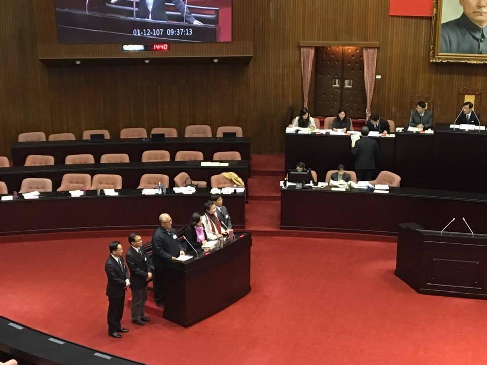 立法院臨時會今天進行全院委員會,對監委被提名人進行詢答。記者周佑政/攝影