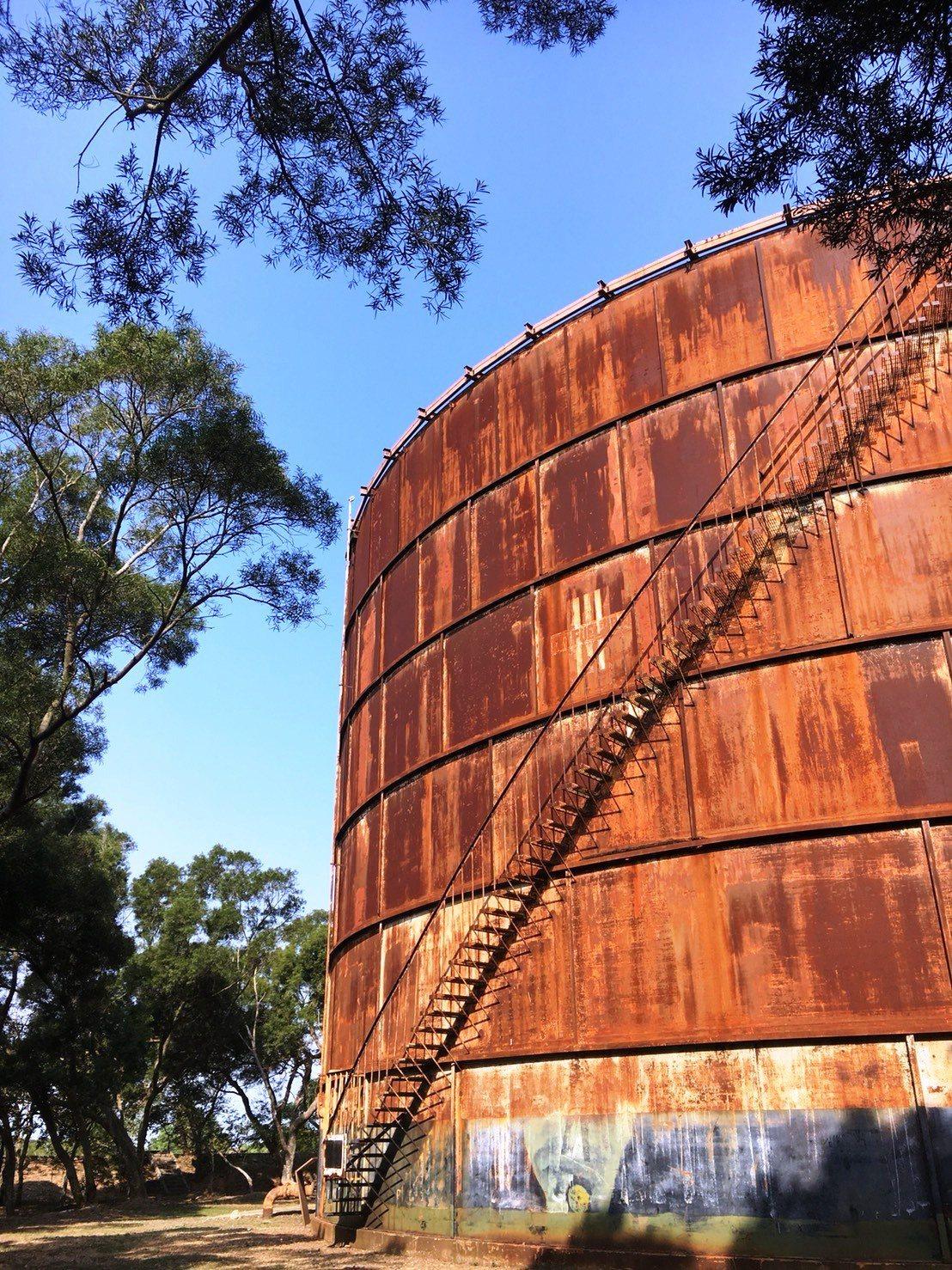 最後1座的大楊油庫,巨大的鋼構建築是美越戰爭的歷史遺跡。記者黑中亮/攝影