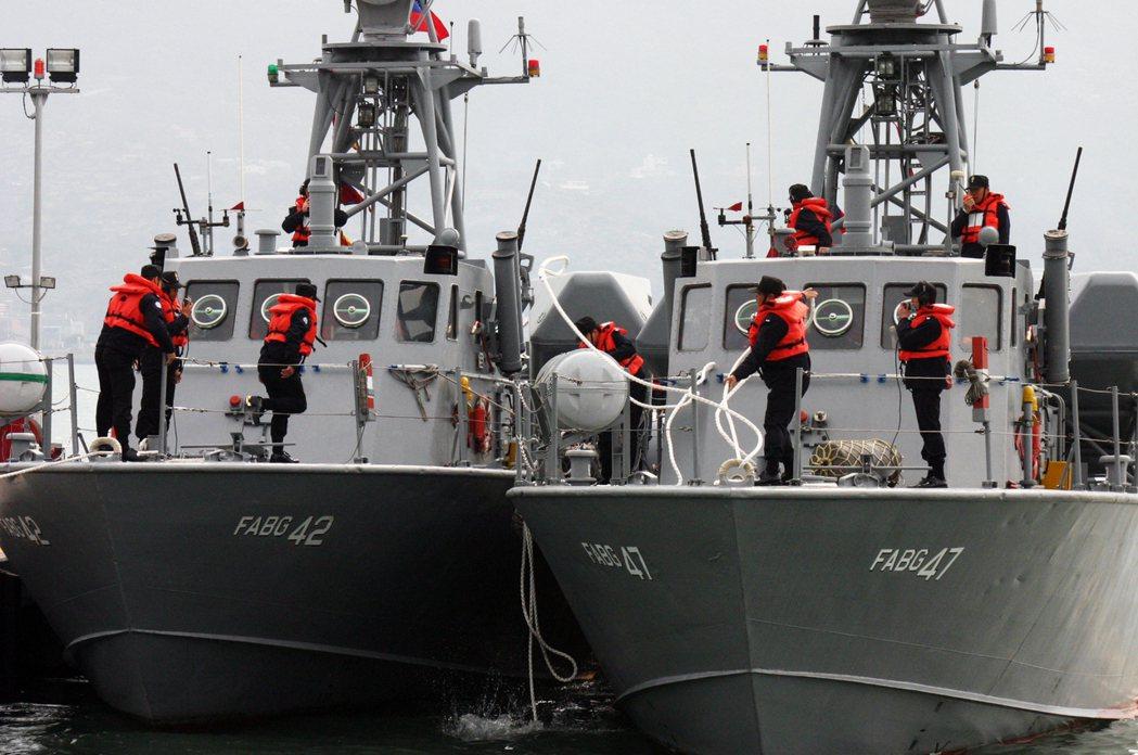 參謀本部計畫建構排水量40餘噸的海軍微型飛彈突擊艇,和海軍過去退役的海鷗飛彈快艇...
