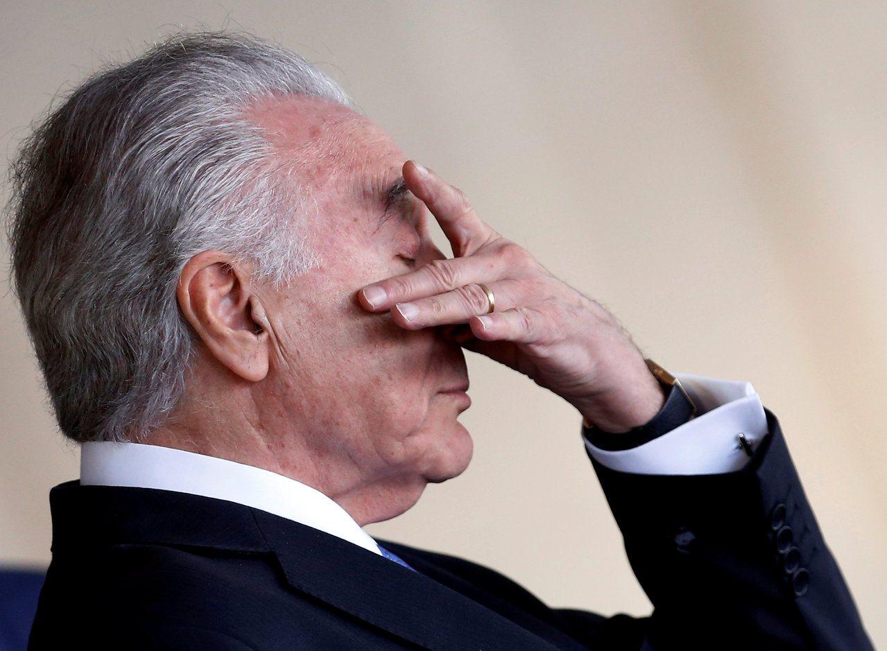 標普把巴西已是垃圾級的債信再降一級,打臉正在全力宣揚經濟復甦的總統泰梅爾政府。 ...