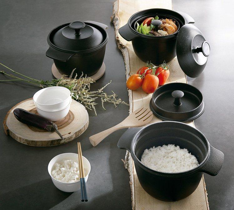 HOLA鑄釜鍋能煮出色香味俱全的好料。圖/HOLA提供