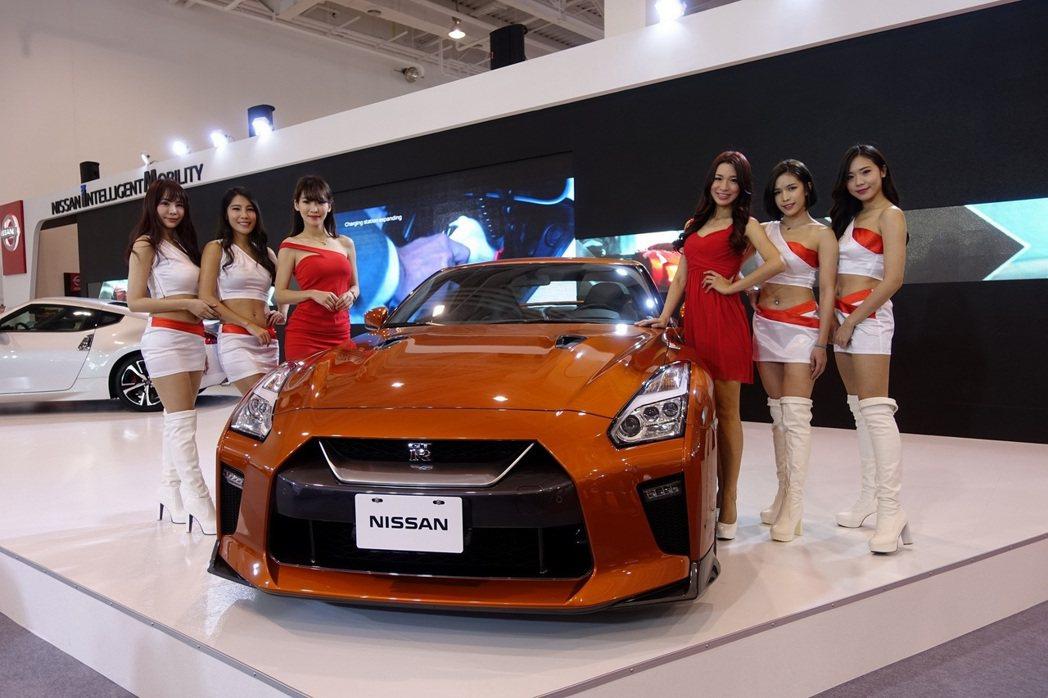 2018高雄世界新車大展,NISSAN展出超高人氣的東瀛戰神GT-R,滿足跑車愛...