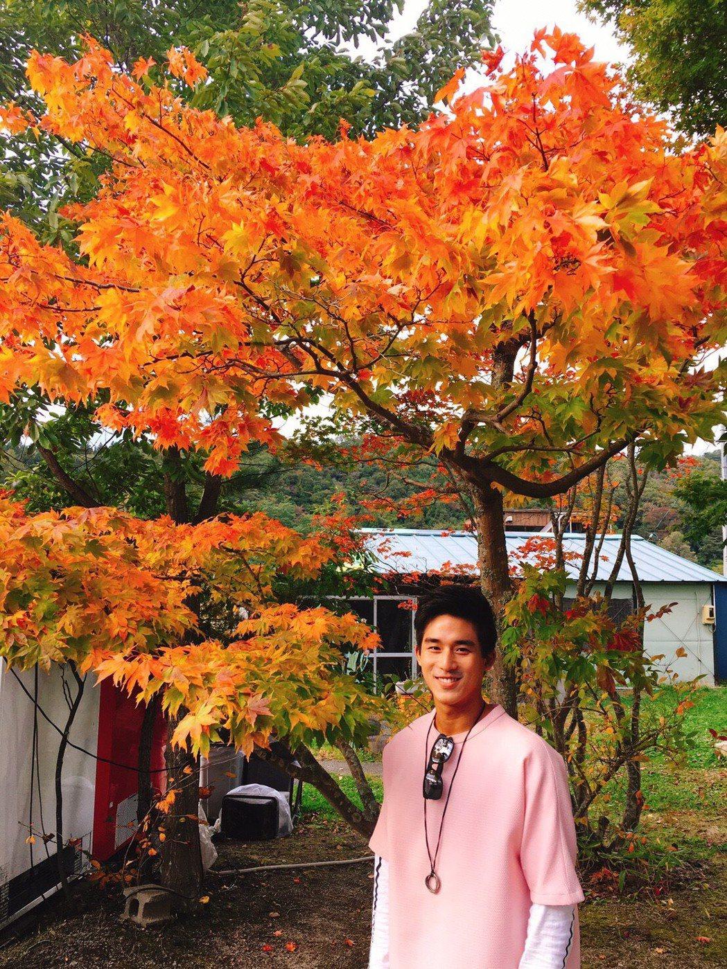 李博翔到日本東北旅遊賞楓。圖/金熙提供