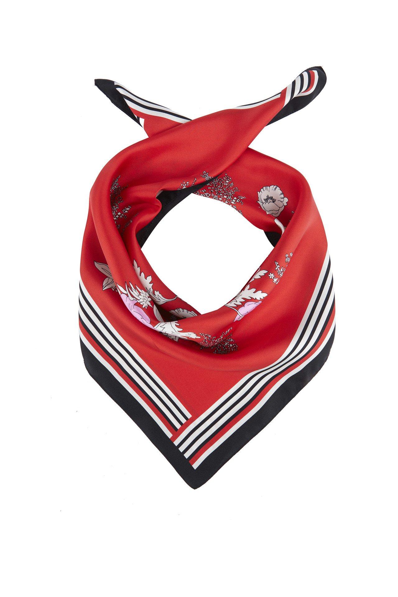 Massimo Dutti印花圍巾2,250元。圖/Massimo Dutti提...