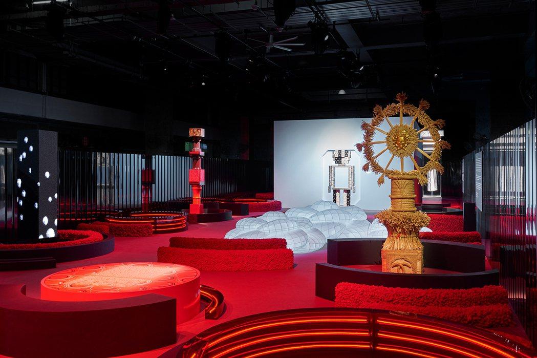 Mademoiselle Privé展覽的當代紅色都市花園相當搶眼。圖/香奈兒提...